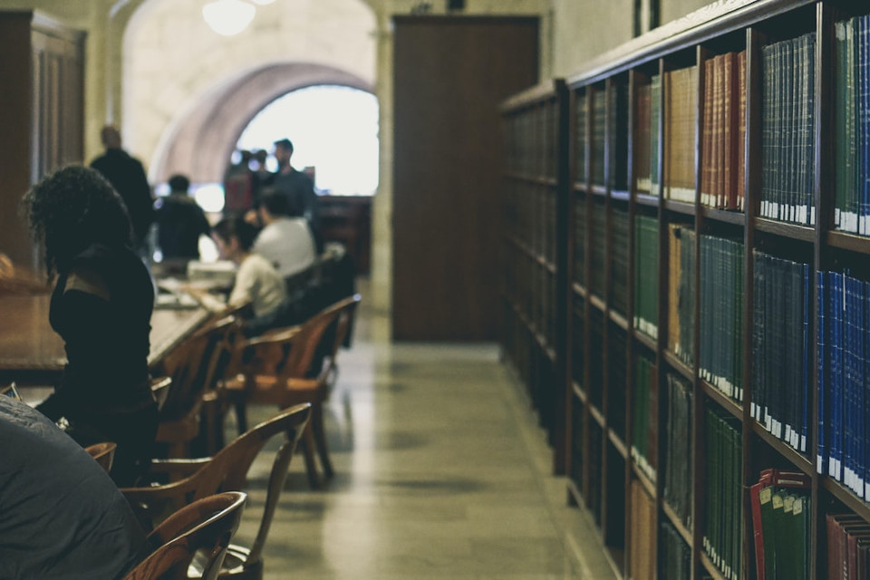cómo buscar artículos científicos