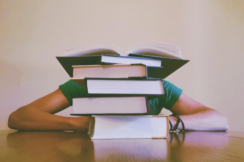 crear bibliografía